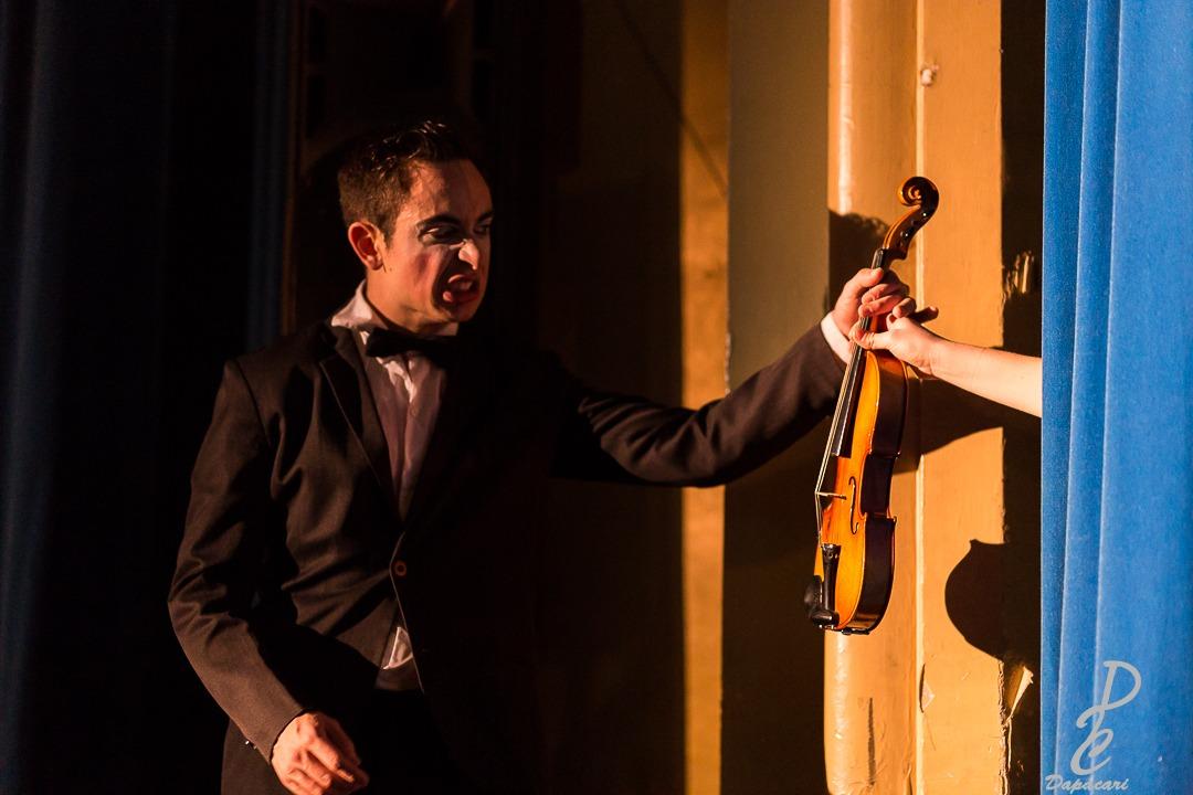 Lucas Petracci violon mime